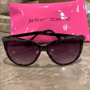 Betsy Johnson sunglasses with case.